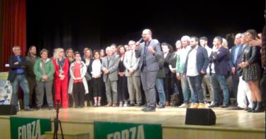 Bagno di folla per l'apertura della campagna elettorale di Alessandro Priori al Teatro Artemisio